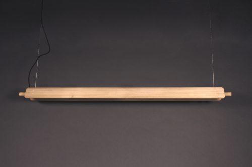 Lámpara colgante lineal Torre fabricada en madera